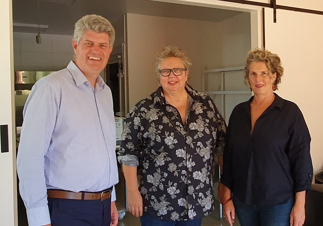 The North Store's Sonja Drexler and Brenda Fawdon with Tourism Minister Stirling Hinchliffe at Mount Tamborine