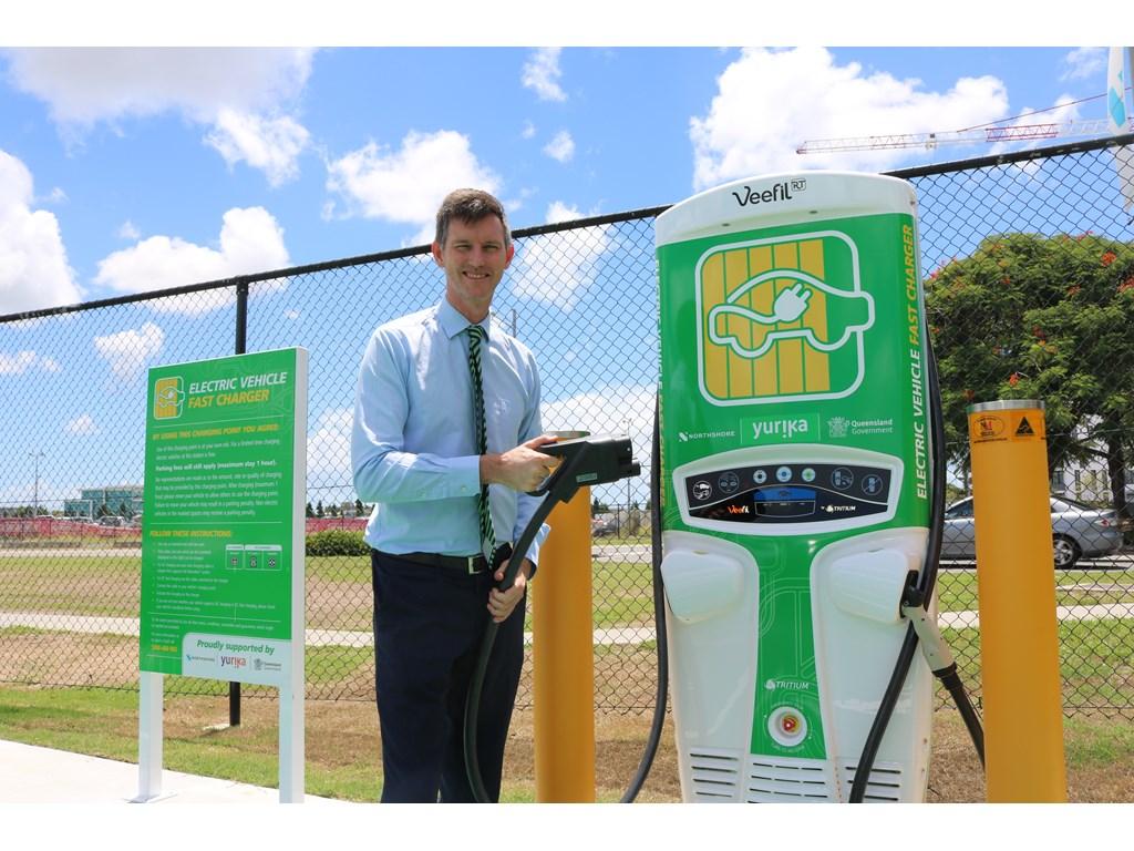 Queensland's Electric Super Highway heads west