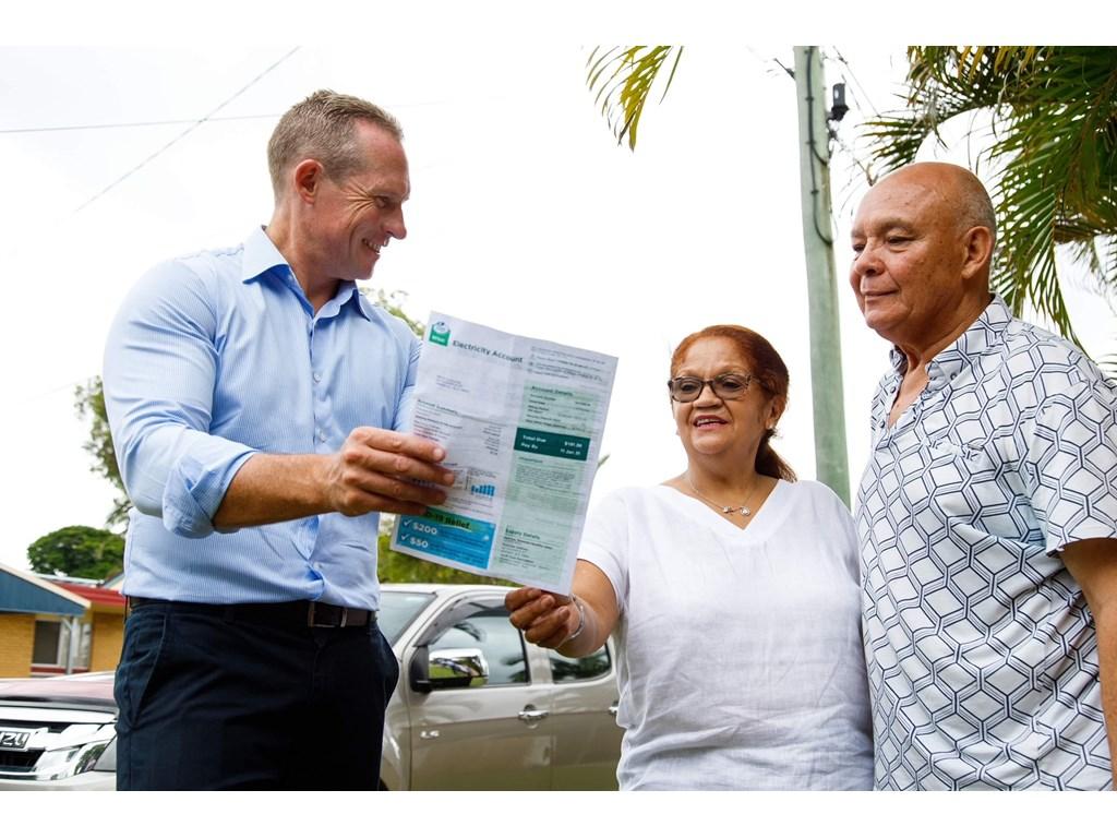 Minister de Brenni with Queensland seniors Brenda and Toya Hartley