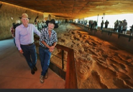 Tourism Minister Stirling Hinchliffe with Australian Age of Dinosaurs Museum founder David Elliott